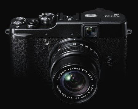 Fujifilm X10 zooms in - photo 3