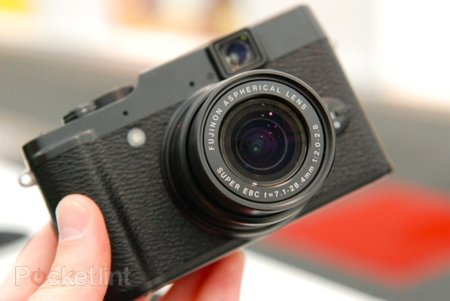 Fujifilm X10 pictures and hands-on