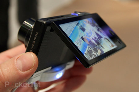 Samsung MV800 pictures and hands-on