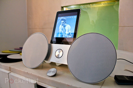 Bang & Olufsen BeoSound 8 iPod/iPhone/iPad dock hands-on
