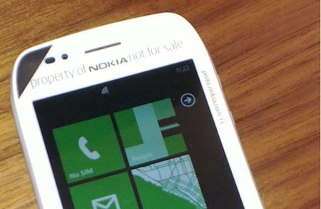 Nokia Sabre Windows Phone captured in the wild