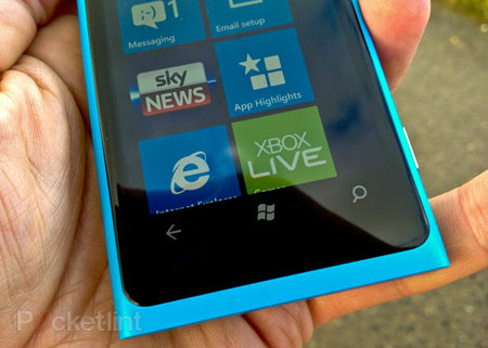 Nokia Lumia 800 pictures and hands-on