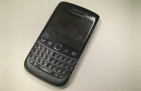BlackBerry Bold 9790 leaked pictures...again