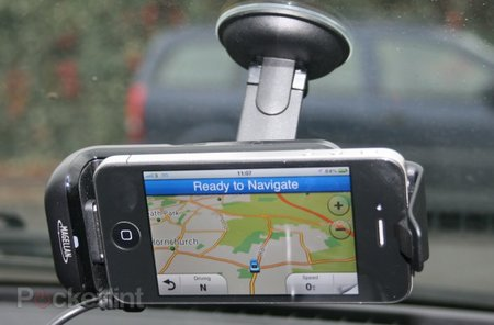 Magellan Premium Car Kit for iPhone pictures and hands-on