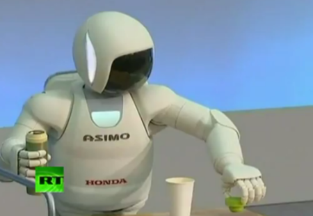 Honda Asimo slims down, grows up and goes it alone