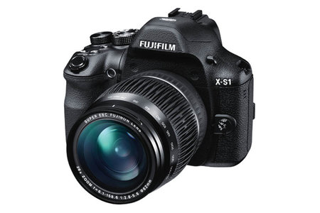 Fujifilm X-S1 bridge camera hitting UK February 2012
