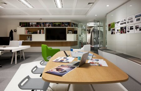 Inside Google London: A park, a coffee lab and nightclub-style meeting rooms - photo 10