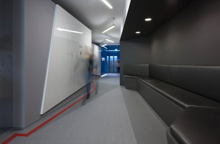 Inside Google London: A park, a coffee lab and nightclub-style meeting rooms - photo 14