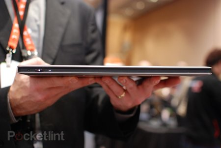 Lenovo IdeaPad Yoga Ultrabook pictures and hands-on - photo 5