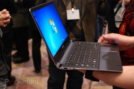 Samsung Series 9 900X3B pictures and hands-on