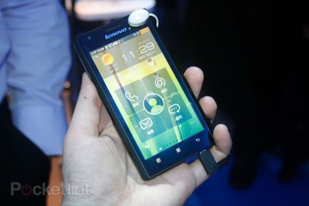 Lenovo K800 Intel Medfield Atom smartphone pictures and hands-on