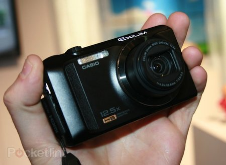 Casio Exilim EX-ZR200 pictures and hands-on
