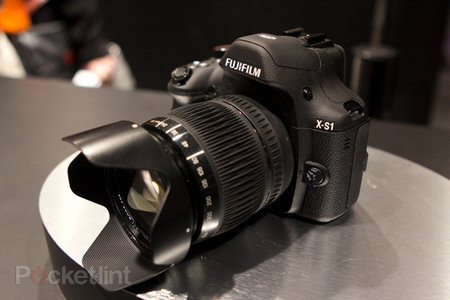 Fujifilm X-S1 pictures and hands-on
