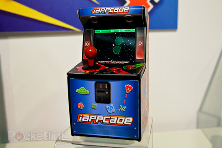 iAppCade iPhone arcade cabinet works without Bluetooth (pictures)