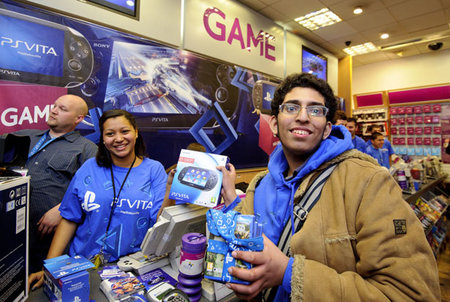 PS Vita goes on sale in the UK   - photo 1