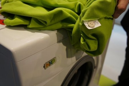 NXP builds smart washing machine with NFC and fabric detection
