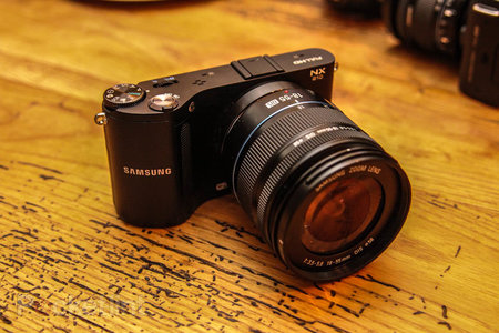 Samsung NX210 pictures and hands-on