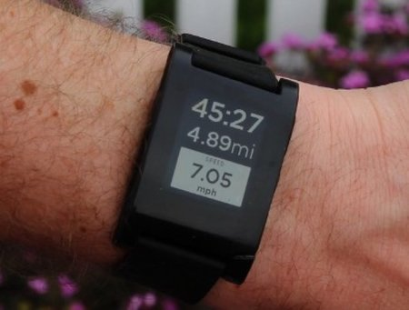 Pebble smartwatch adds Runkeeper app support