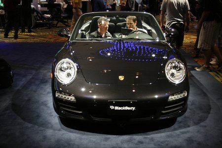 BlackBerry-equipped Porsche 911 Carrera S pictures and hands-on