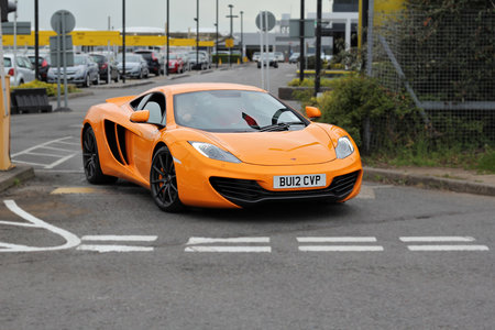McLaren MP4-12C pictures and hands-on
