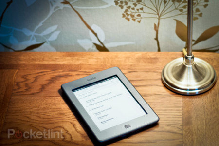 Waterstones to sell Amazon Kindle