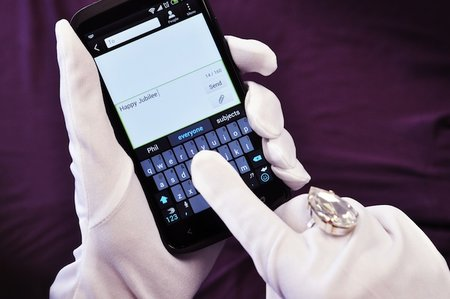 Swiftkey uses the Queen's English, quite literally - and all in time for the Diamond Jubilee