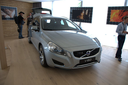 Volvo V60 plug-in hybrid pictures and hands-on