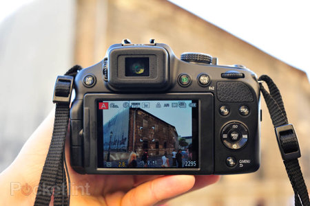 Hands-on: Panasonic Lumix DMC-FZ200 review