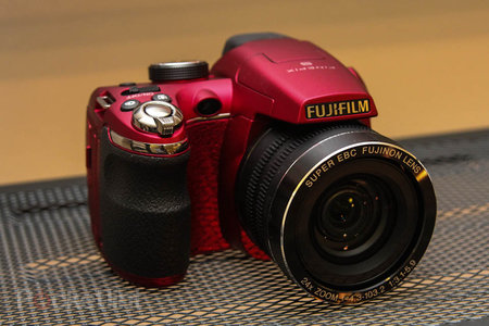 Fujifilm FinePix SL300 in red pictures and hands-on