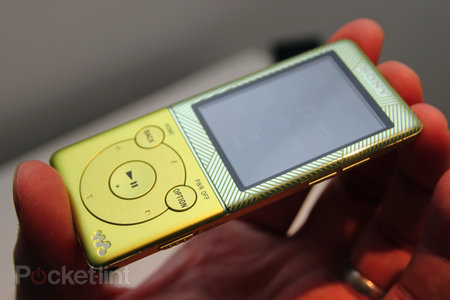 Sony Walkman E470 brings a touch of colour to your audio experience - photo 6
