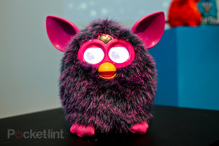 Furby (2012) pictures and hands-on
