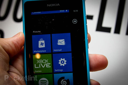 Windows Phone 7 users can update their email addresses to Outlook.com without restore
