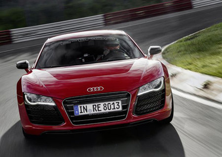Electric Audi R8 e-tron to come with Samsung 7.7-inch AMOLED digital rear-view mirror