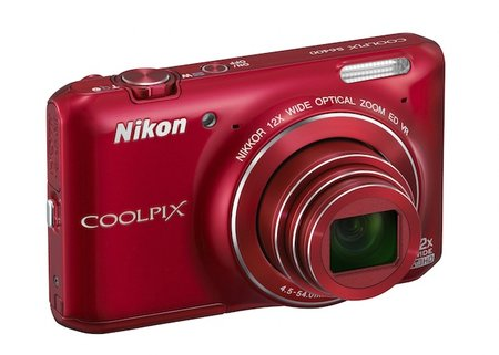 Nikon Coolpix S6400: The compact for chic fashionistas