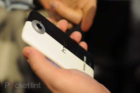 HTC One X Cushnie et Ochs limited edition pictures and hands-on