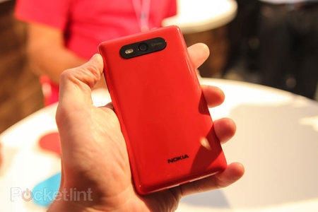 Nokia Lumia 820 pictures and hands-on - photo 5