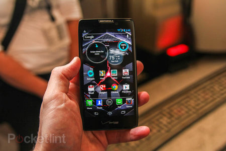 Motorola Droid Razr Maxx HD pictures and hands-on