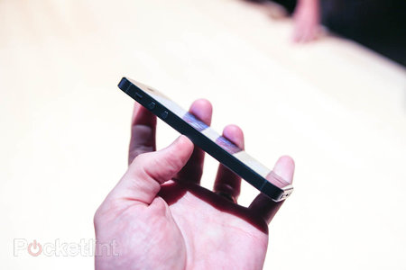 iPhone 5 pictures and hands-on - photo 2