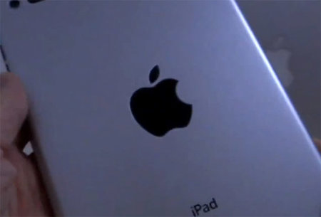 iPad mini dummy gets the hands-on treatment, as close as we'll get for now (video)