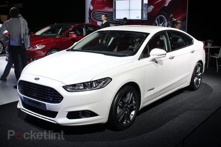 Ford Mondeo (2013) pictures and hands-on