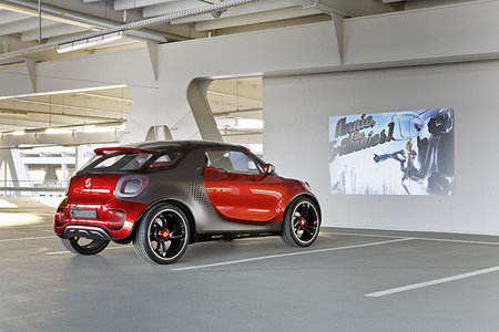 Smart Forstars concept car unveiled, the urban vehicle with built-in home cinema projector - photo 1