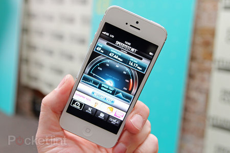 iPhone 5 4G EE UK: What sort of speeds can you expect? (video)