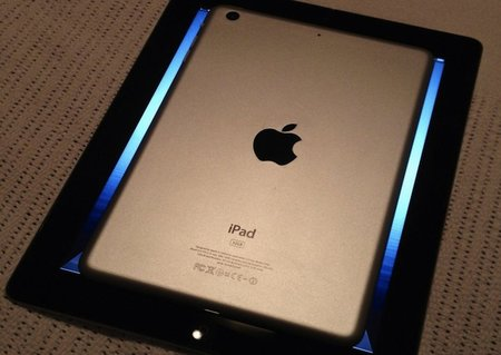 iPad mini pics published on Twitter - photo 1