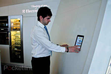 The Cube by Electrolux high tech pop-up restaurant pictures and hands-on - photo 25