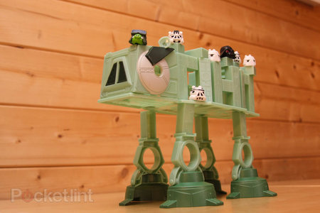 Star Wars Angry Birds AT-AT battle game pictures and hands-on - photo 12