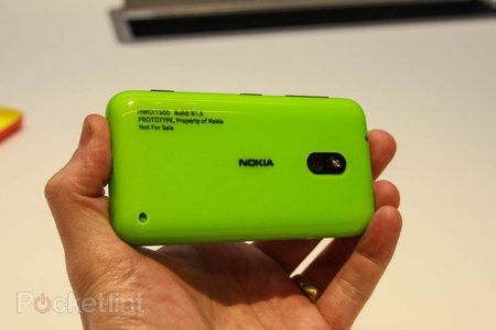 Nokia Lumia 620 pictures and hands-on - photo 3