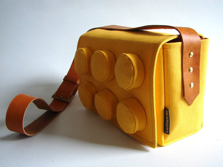 Awesome: Giant Lego Block bag, the fashion of childhood dreams