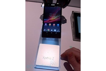 Sony Xperia Z spotted on CES show floor before it opens