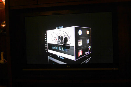 Asus Qube: Google TV gets a new face at CES, we go hands-on - photo 12