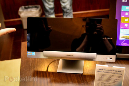 Asus Transformer AiO P1801 is a Win 8 desktop by day, giant Android tablet by night, we go hands-on - photo 2
